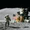 アポロ計画で月面の星条旗は真空だから揺れやすかった!